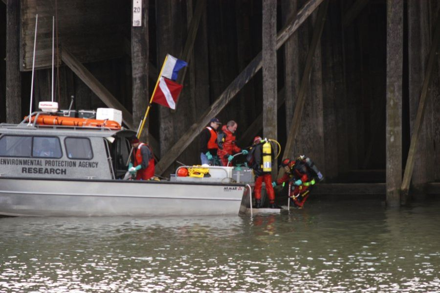 EPA divers deploy at the Portland Harbor superfund site