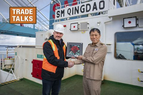Curtis Robinhold welcomes Korean Captain Ik-Soo Kim and his ship the SM Qingdao to Portland.