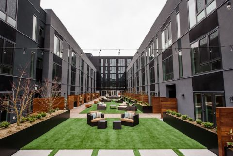 Q21 offers a private courtyard, where it hosts barbecues and other community events