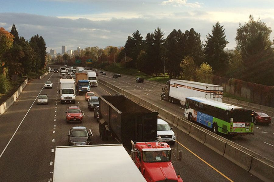 Will expanding I-5 relieve congestion? Freight industry says yes
